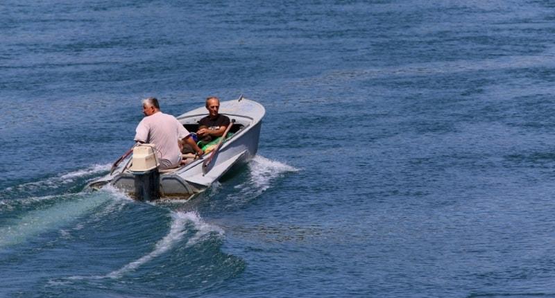 Walk on a motor boat across Syr-Darya.