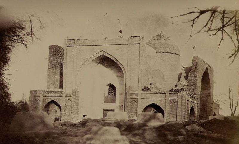 Photos of the mausoleum of Sheikh Muslekhitddina from the Turkestani album. 1905 - 1906, XX centuries.