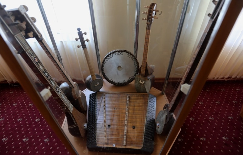 Exposition of musical instruments.