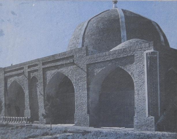 Мечеть-медресе Олим Додхдо. Фотография 1984 года.