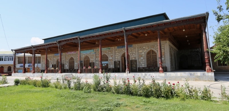 The main mosque of town.