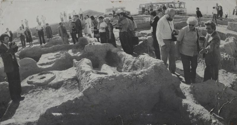 Международная делегация археологов на раскопках Саразма. 1984 год.
