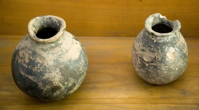 Ceramic vessels. Exhibits of an archeologic exhibition.