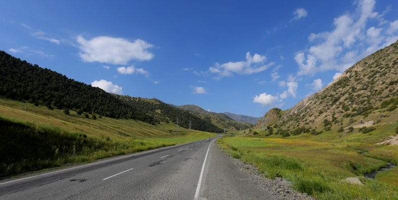 По дороге на перевал Шахристан. Зеравшанский хребет.