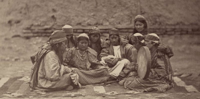 Customs of the Tadjik women.
