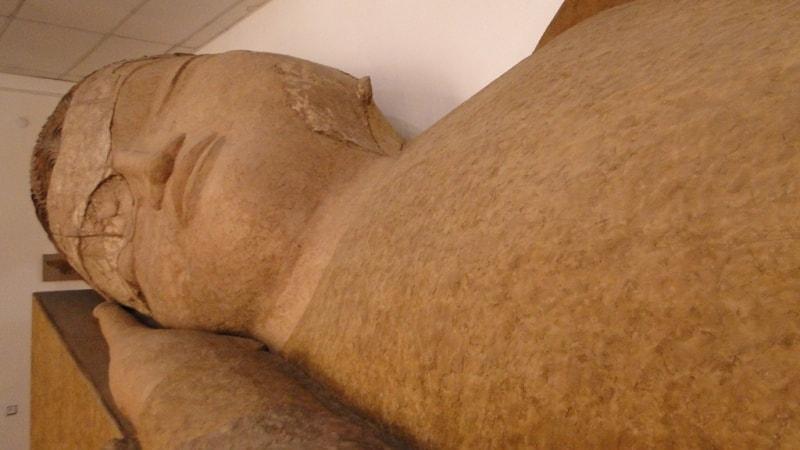 Будда в музее древностей в Душанбе.