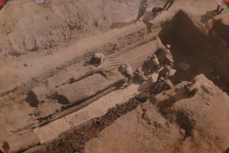 Археологические раскопки в Аджина Теппа.