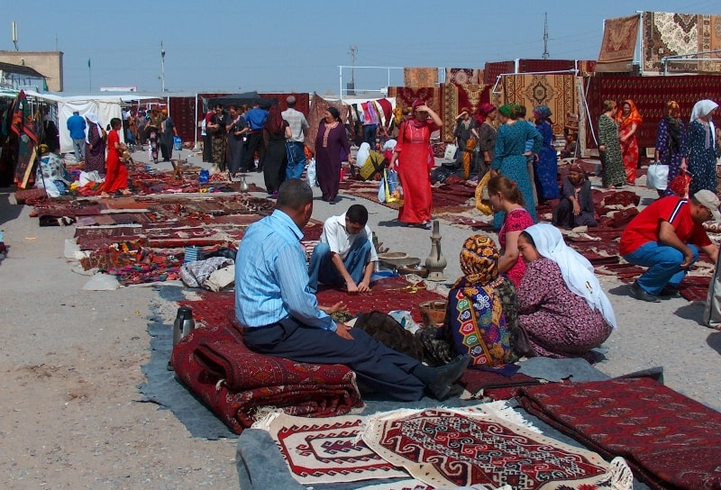 Market of Altyn-Asar.