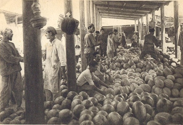 On the old bazaar in Tashauz. November, 1925.