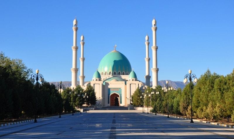 Сапармурата Хаджи мечеть в Геок-Депе.