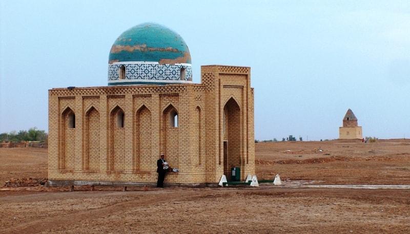 Il Arslan mausoleum.