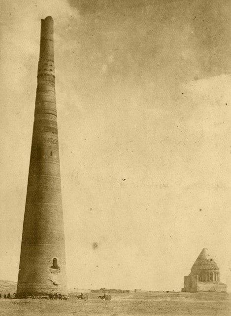 Кутлуга Тимура минарет. Фотография начало XX века.