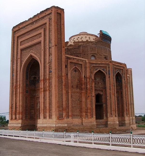Mausoleum Tyrabekh Khanum (XIV century).