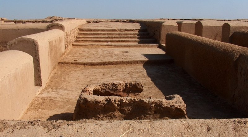 The examples of Margiana culture found at excavation of the ancient country Gonur-Depe.