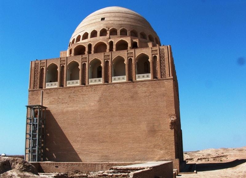 Султана Санджара мавзолей. Апрель 2008 года.