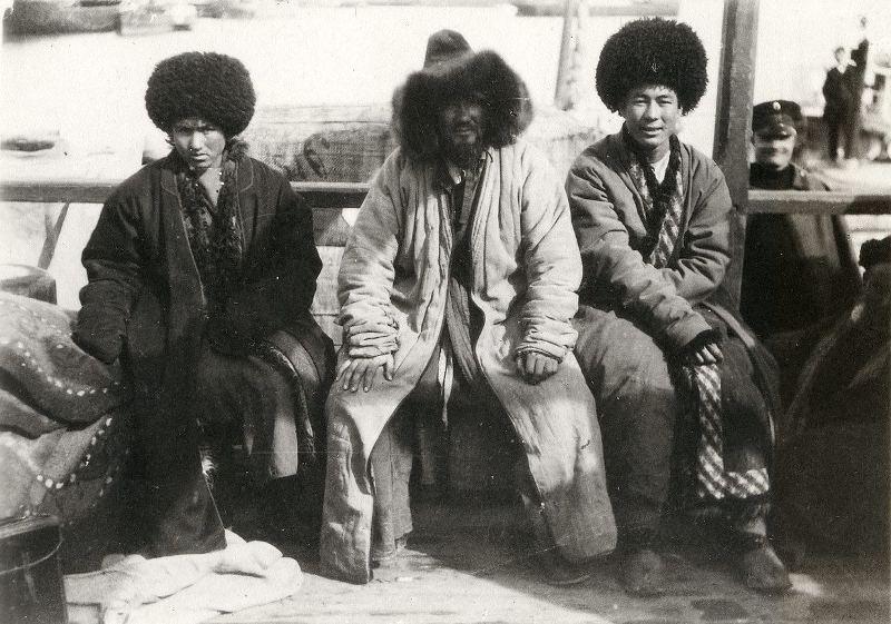 Киргизы с полуострова Челекен.