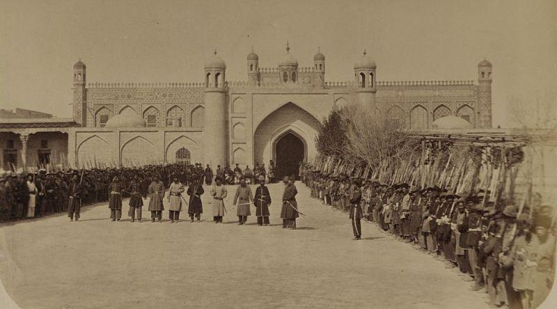 Kokand. An internal gate khan a palace.
