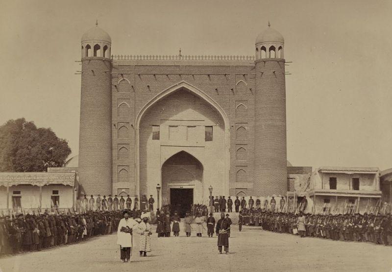 Kokand. An external gate khan a palace.