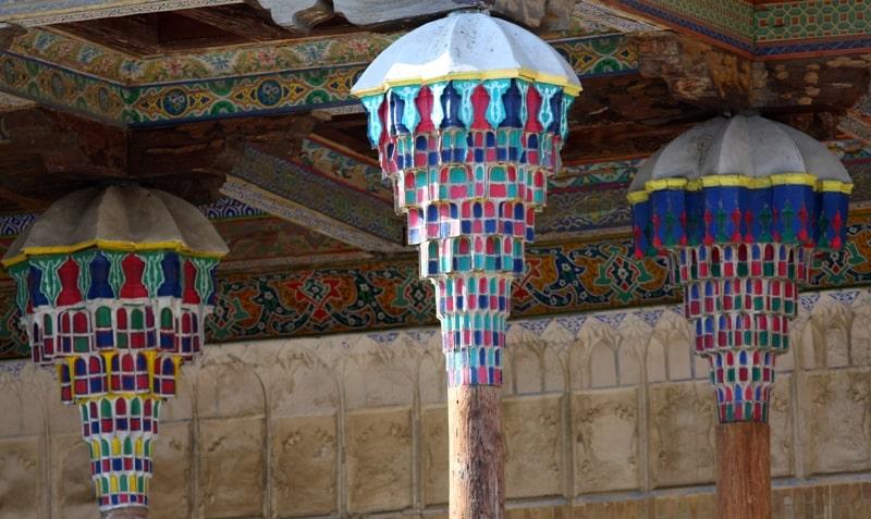 Одна из колон Джума мечети.