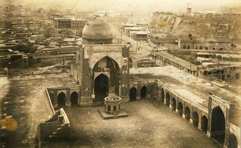 Вид на Джума мечеть с минарета Калян. Бухара. 1929 год.
