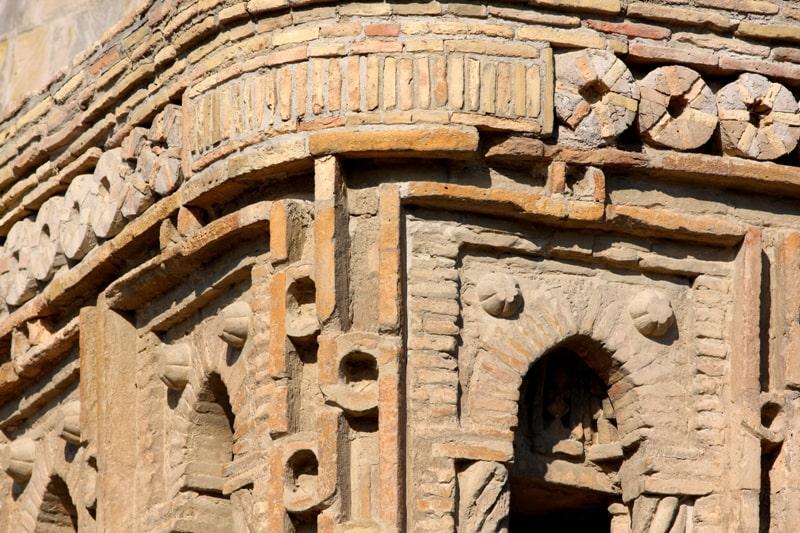 Кирпичный декор мавзолея Саманидов.