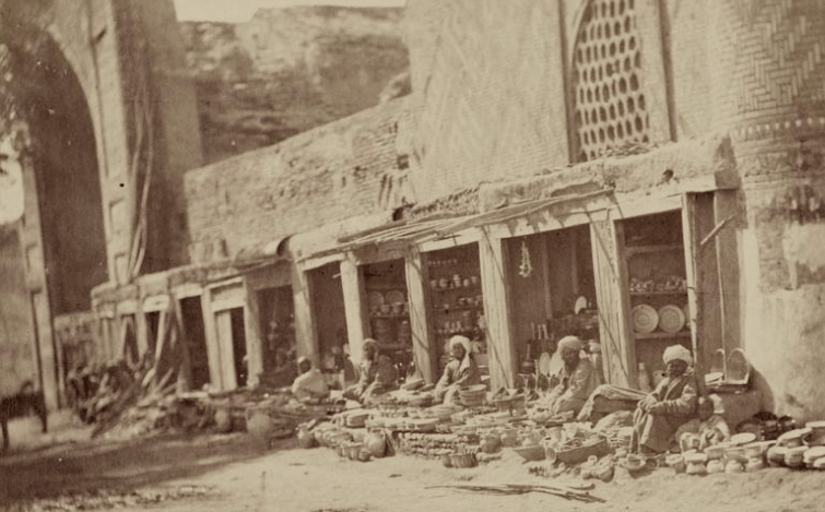 Market glazed and faience utensils. Photos from the Turkestan album. (1871 – 1872).