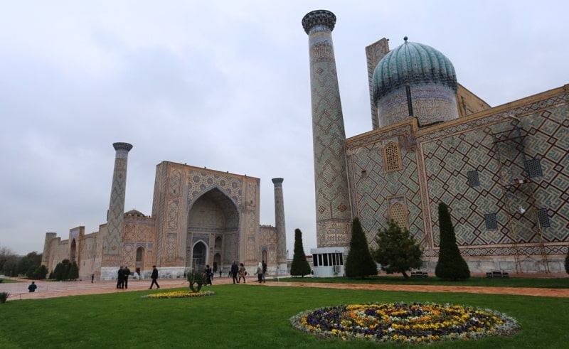 Панорама площади Регистан.