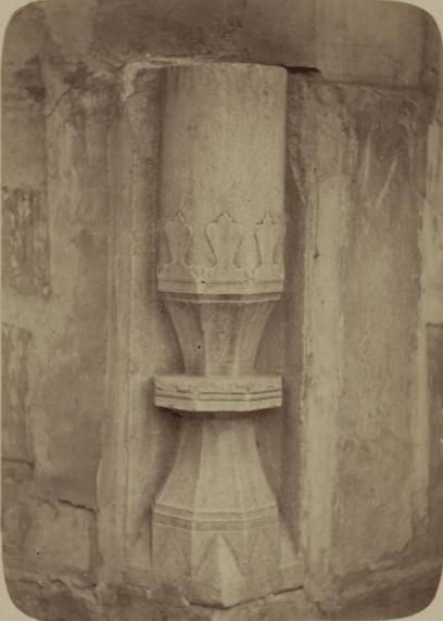 Соборная мечеть (мечеть джами). Основание колонны.