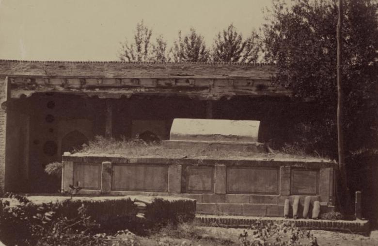 Абду-Дурун. Гробница (сагана) святого.