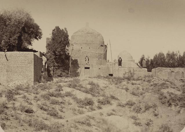 Самаркандские древности. Мавзолей Ходжа Абду-Дарун. Общий вид мавзолея с юго-запада.