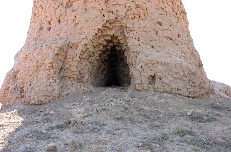 Ступа Зурмала в окрестностях Термеза.