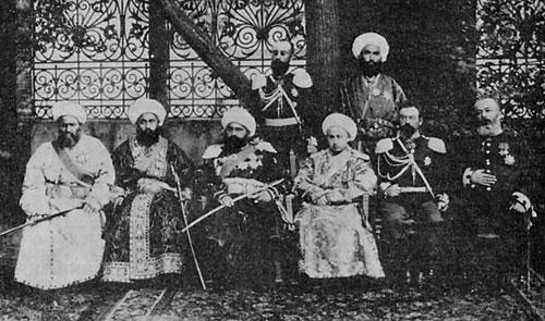Бухарский эмир и его свита в Москве в 1896 г. Фотография ГИМ.