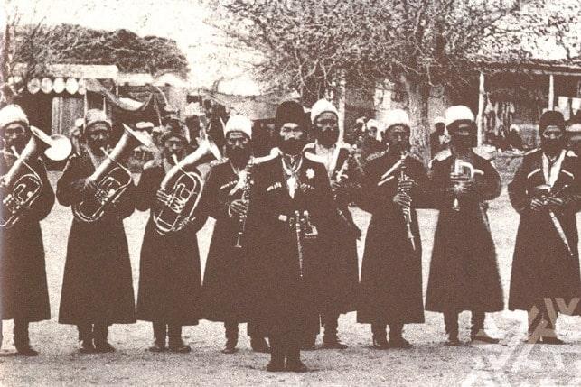 Военный оркестр бухарского эмира. Почтовая открытка анонимного издательства, после 1909 года.