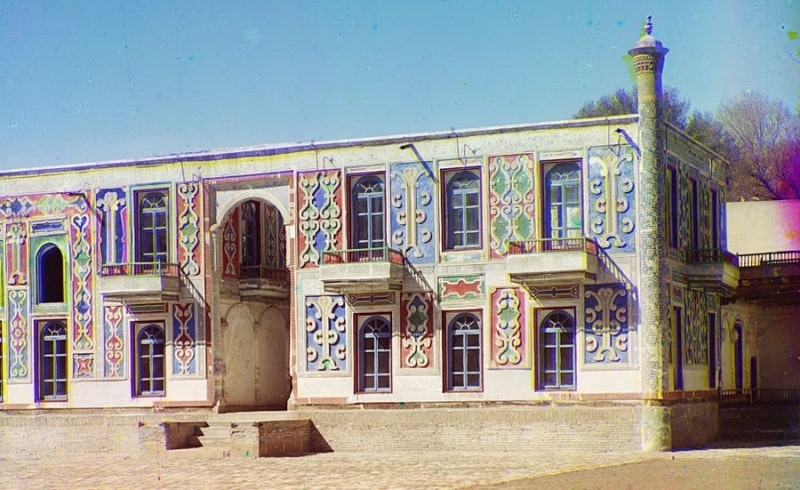 S. M. Prokudin-Gorsky. The palace in a country garden of the Emir Shir-Budun. January, 1907.